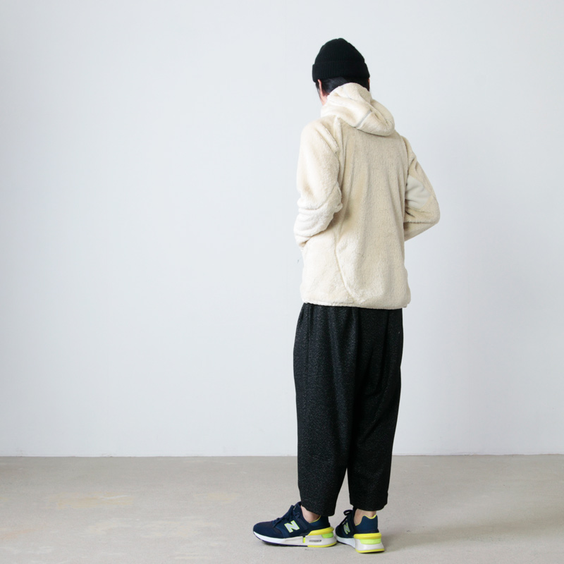 and wander(アンドワンダー) high loft fleece hoodie
