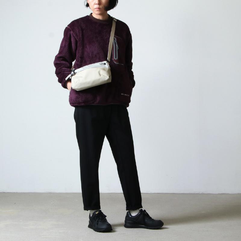 and wander(アンドワンダー) high loft fleece pullover