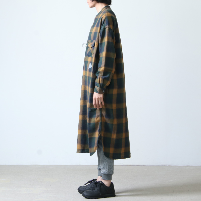 and wander(アンドワンダー) thermonel check tunic