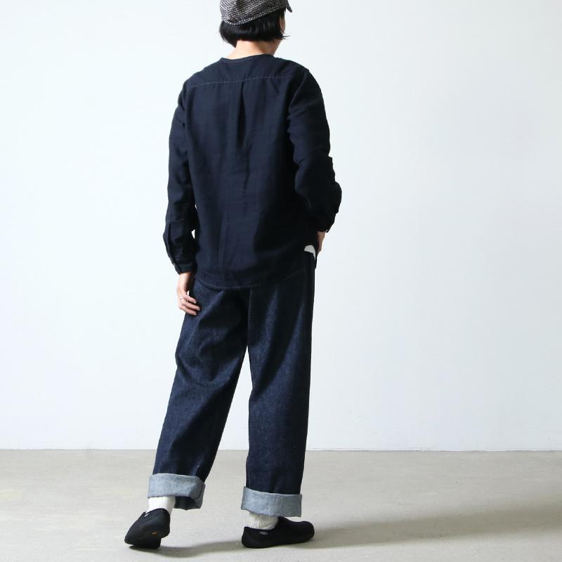 and wander(アンドワンダー) thermonel collarless shirt