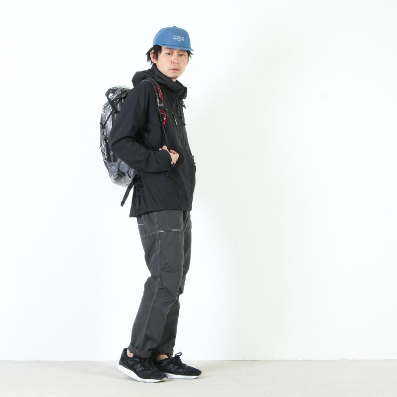 and wander(アンドワンダー) cuben fiber backpack