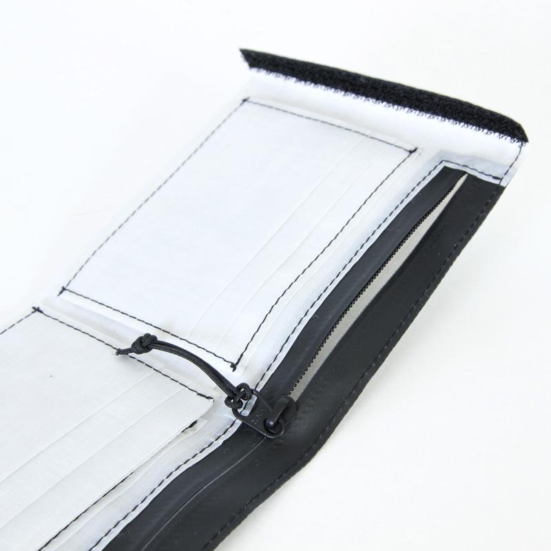 and wander(アンドワンダー) hybrid cuben fiber wallet