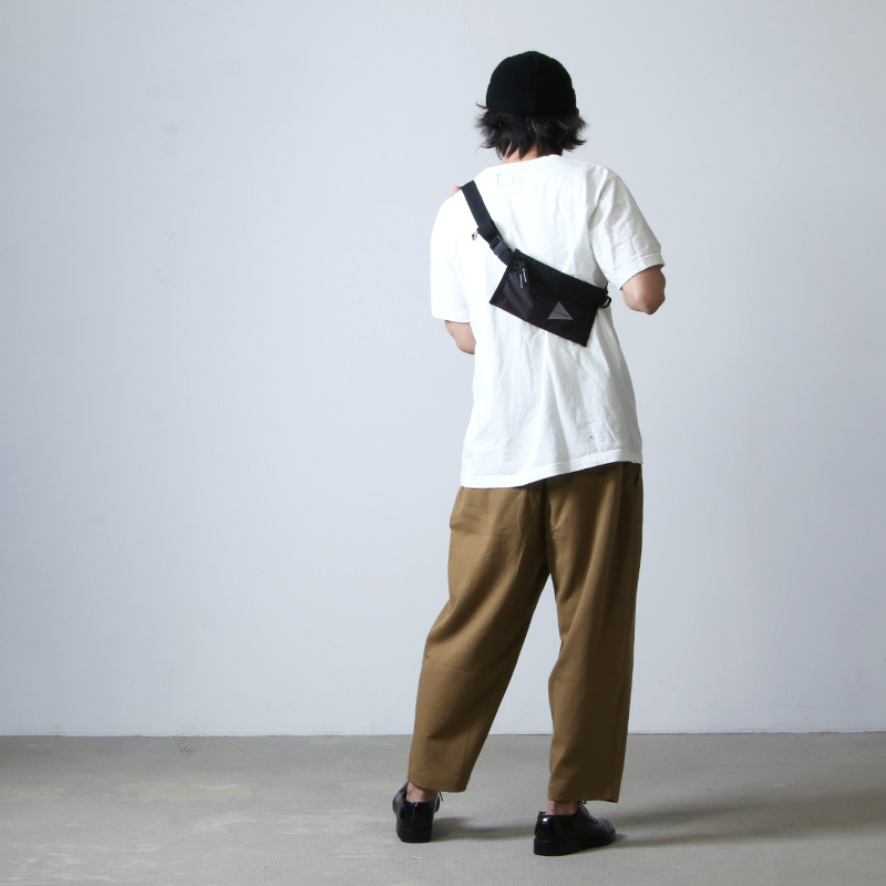 and wander(アンドワンダー) sil secret bag