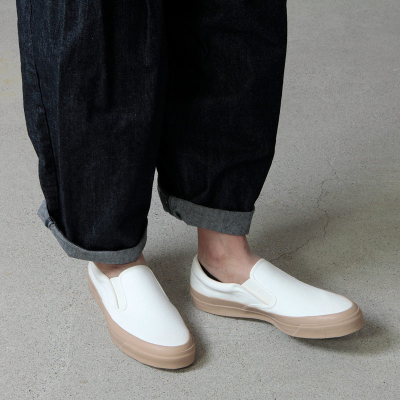 ASAHI(アサヒ) ASAHI DECK SLIP-ON MEN - WHITE / BEIGE
