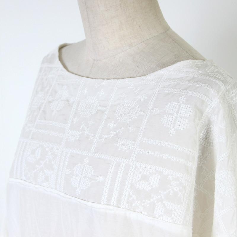 blanc basque(ブランバスク) コットンシルクレースブラウス