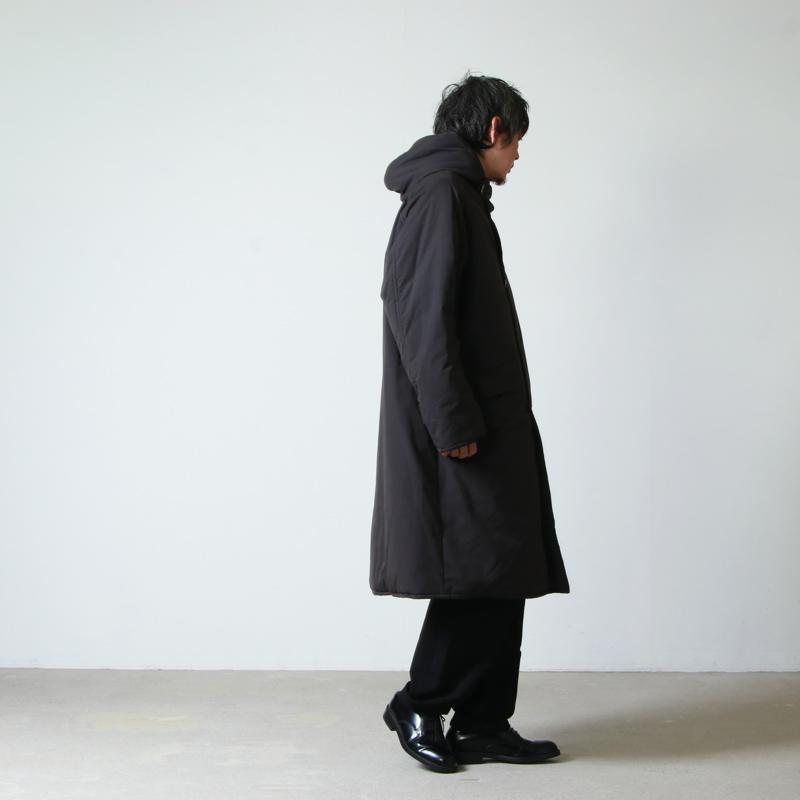 COMOLI(コモリ) インサレーション フーデッドコート