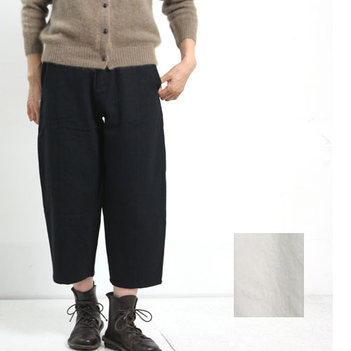 evameva (エヴァムエヴァ) Cotton wool twill pants