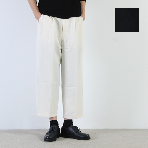 evameva (エヴァムエヴァ) Cotton linen twill tuck pants