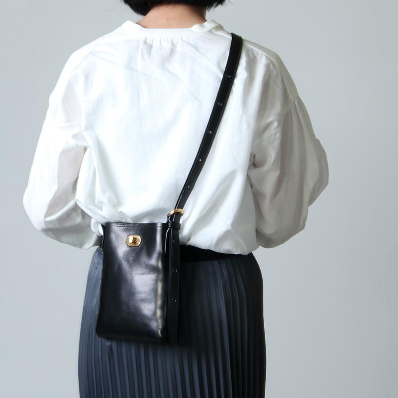 Hender Scheme(エンダースキーマ) twist buckle bag XS