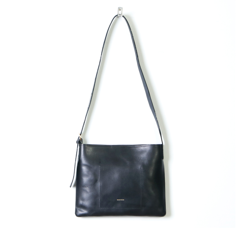 Hender Scheme(エンダースキーマ) twist buckle bag S