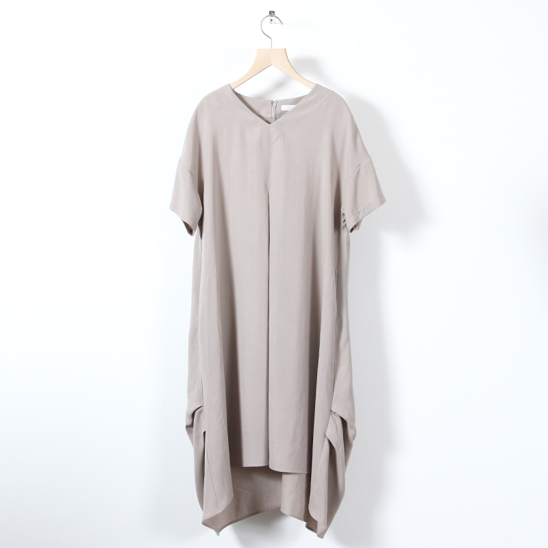 ina(イナ) Vネック裾タックワンピース