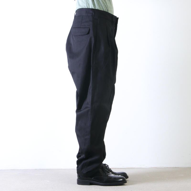 is-ness(イズネス) WIDE CHINO PANTS