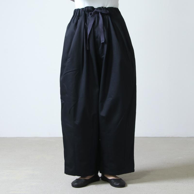 is-ness(イズネス) BALLOON EZ PANTS
