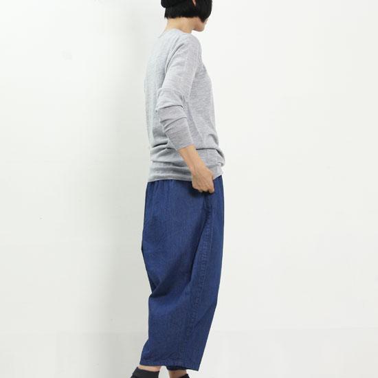 mao made(マオメイド) メリノウールVネックニットプルオーバー