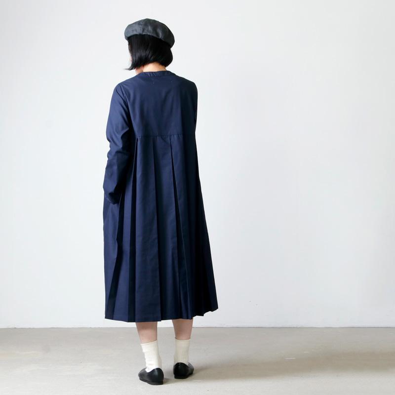 MidiUmi(ミディウミ) クルーネックプリーツワンピース