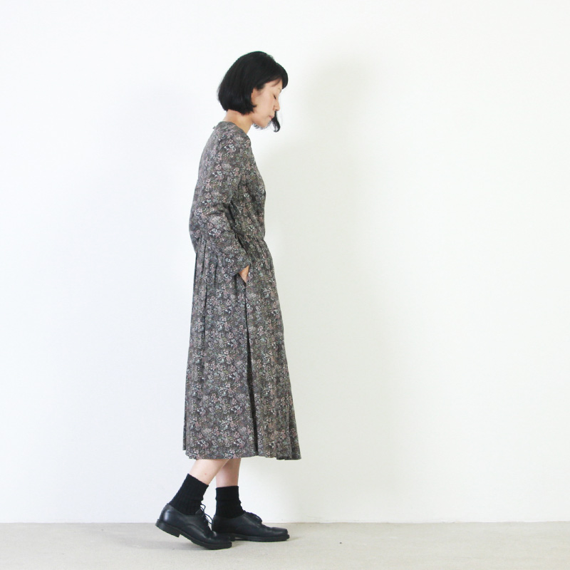 YAECA(ヤエカ) WRITE BIG TUCK DRESS